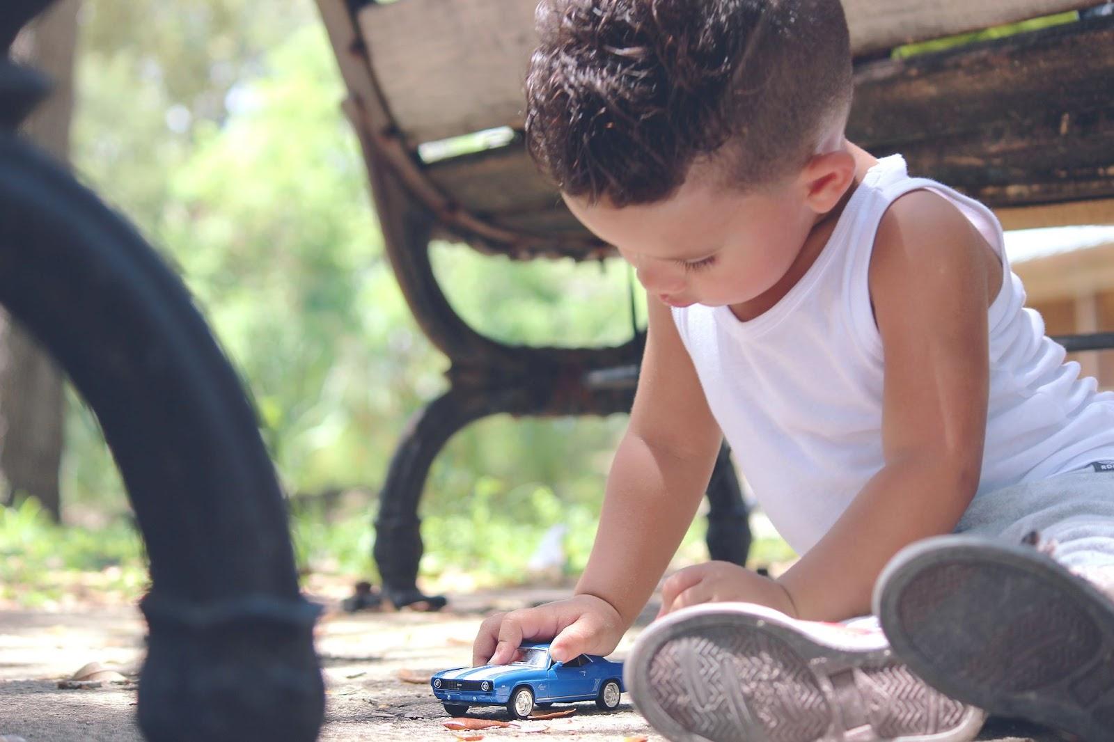 car-toy-childhood-child-163768